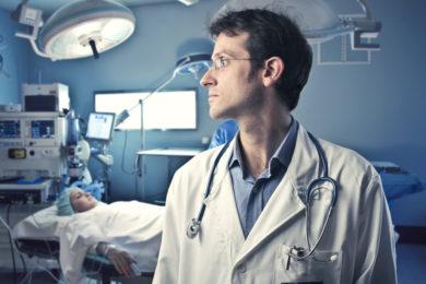 Dr. Armando Cortina
